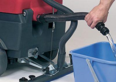 Подопочистваща машина на кабел Cleanfix RA 431